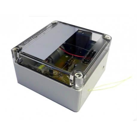 Portier automatique solaire pour votre poulailler - Porte automatique pour poulailler allemagne ...