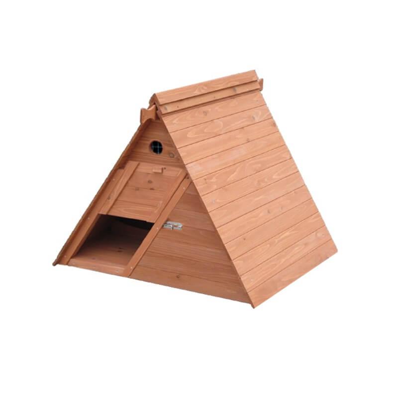 petit poulailler de ville en bois un tipi pour 3 5 poules. Black Bedroom Furniture Sets. Home Design Ideas